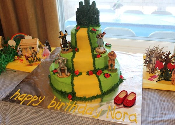 Wizard of Oz cakes