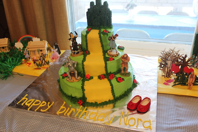 3 tiered Wizard of Oz cake