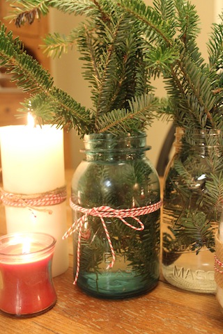 Simple christmas table decorations for Christmas table decorations using mason jars