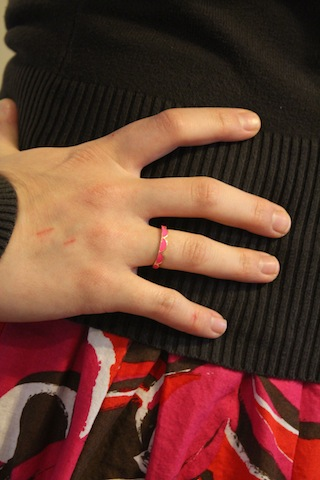 groopdealz pink scalloped ring
