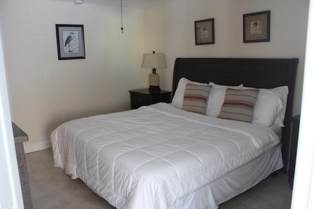 Westwinds Waterfront Resort bedroom