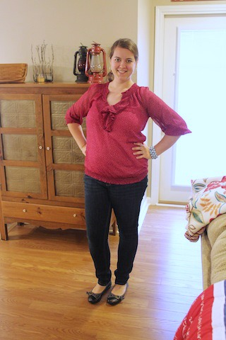 raspberry top and skinny jeans
