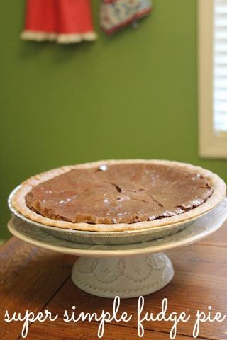 super simple fudge pie