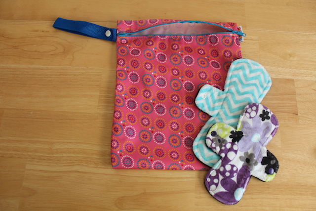 bummis small wet bag for mama cloth