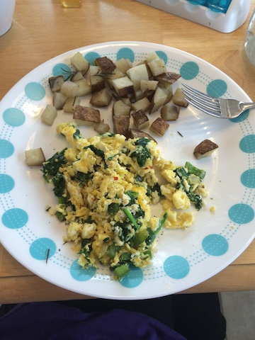 #whole30 breakfast scrambled eggs with peppers onions and spinach and bone broth