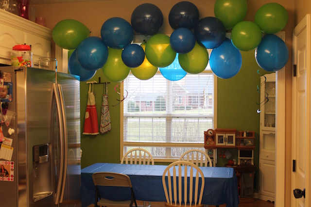 under the sea birthday party balloons