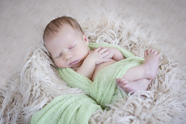 newborn pictures wrapped up