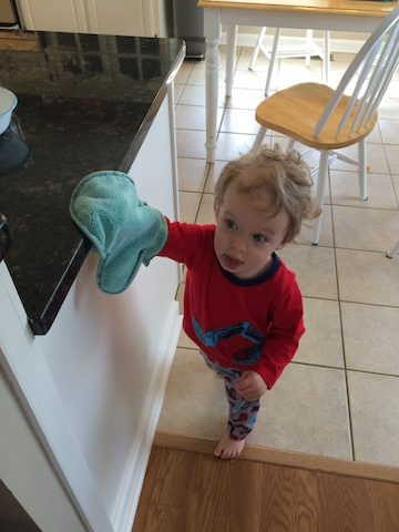 cleaning with the Norwex dust mitt